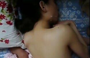 Preciosa muñeca asiática videos pornos latinos amateurs se abre el coño con un palo negro