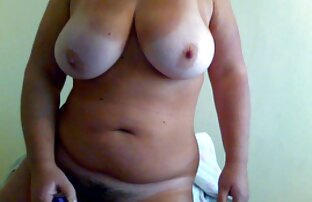 Chica en medias negras termina con trabajo de porno mateur latino pies