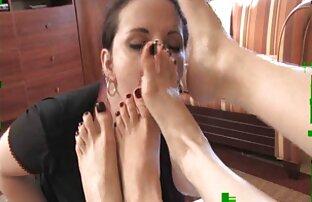 Sexy rubia MILF Heidi disfruta pornoamateurlatino de una corrida facial